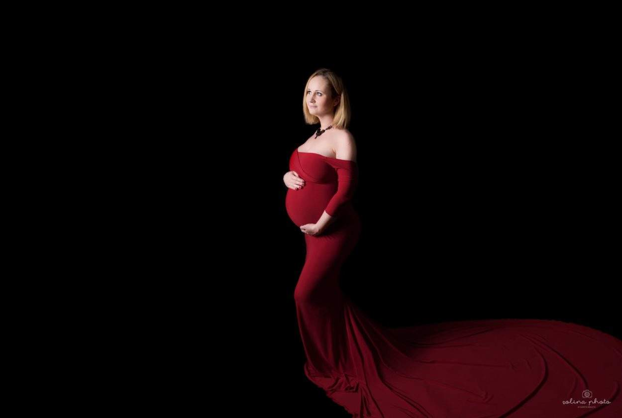 sesja ciążowo noworodkowa warszawa, czerwona sukienka